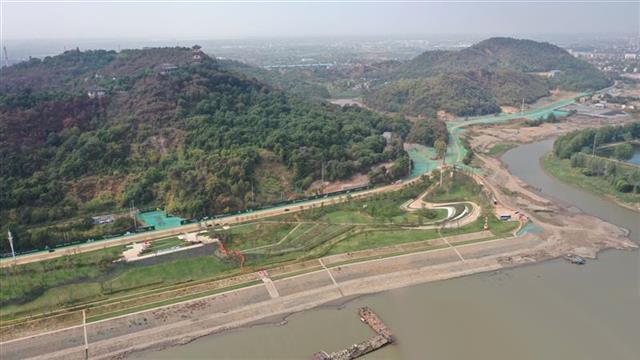 湖北长江大保护最大单体投资项目建设正酣