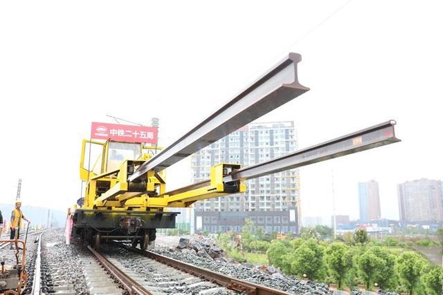 渝懷鐵路二線全面進入鋪軌施工階段