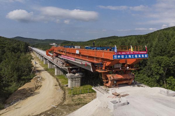我國最東端高速鐵路牡佳客專佳木斯段架梁施工完成