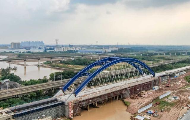 国内首例高速铁路改建工程现浇梁施工顺利完成