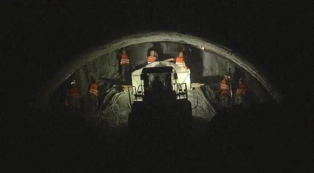 牡佳高铁全线34座隧道全部贯通